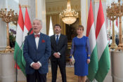 Sylvester E. Vizi, Széchenyi-award winning neuroscientist and Chairman of the Board of Trustees of the Friends of Hungary Foundation, followed President Áder in addressing the audience assembled in the Sándor Palace's Hall of Mirrors.